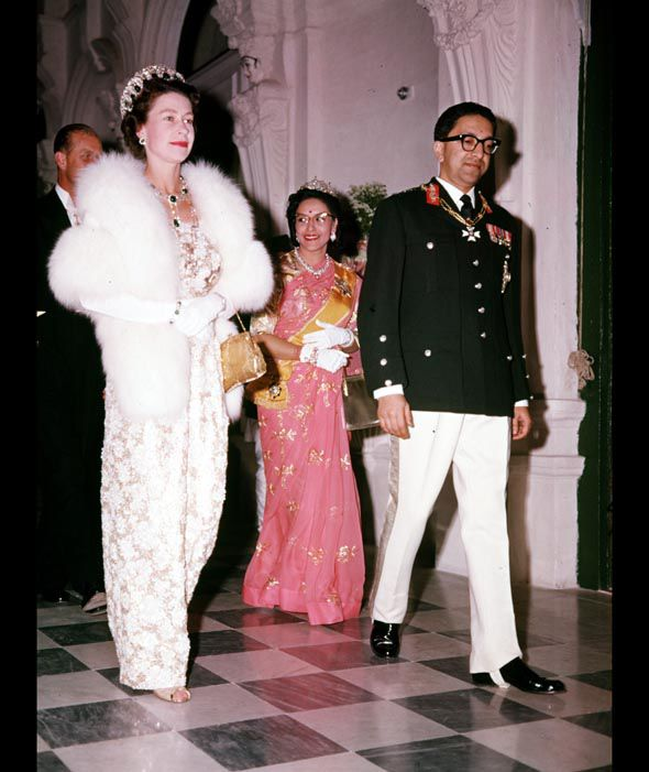 Королева и король Непала